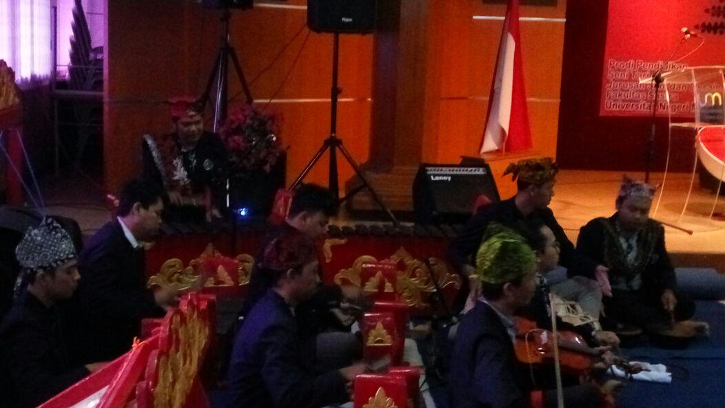 Workshop Musik Tradisional Banyuwangi Prodi.Pendidikan Seni Tari dan Musik
